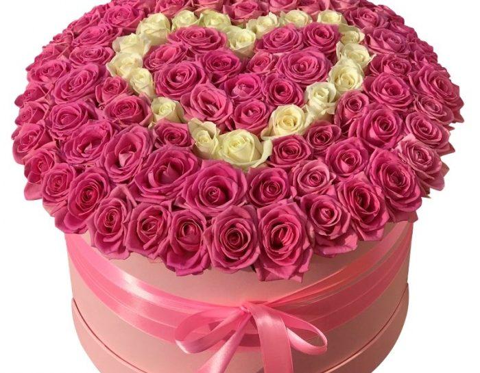 Интересные варианты букетов из 101 розы